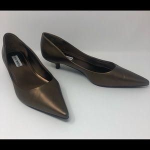 🌈🌈 Steve Madden copper low heel pumps
